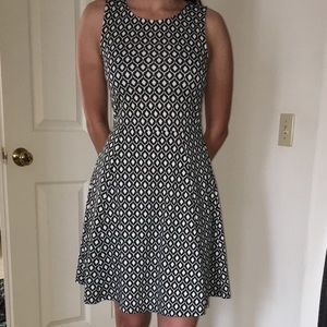 Black and White Patterned H&M Dress Size S